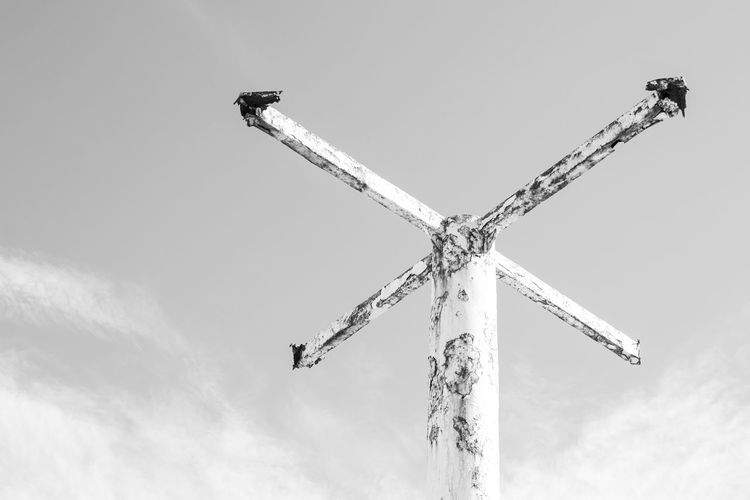 Clouds And Sky Cloud - Sky Clouds Point Of View Metallic Metal Metalwork Metal Art Iron Ironwork  Rare Fine Art Photography Fine Art Fineart_photobw Minimalism Minimal Minimalobsession Crossing Cross Artistic Photo Artistic Photography Oxid Oxidation Oxidized Metal Structure