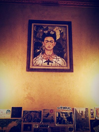 Great place, great ambiance and great food. The walls were decorated with small pictures, paintings and dried flowers in a vase placed on a cute bookshelve. This is one of the walls with a lovely self portrait of Frida Kahlo. Dinner Vegetarian Eating Burrito Art Frida Kahlo Montréal Enjoying Life Visiting Good Music