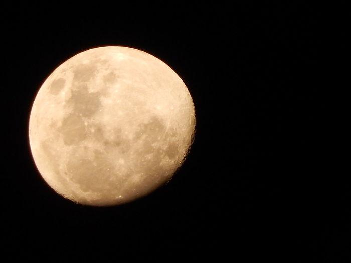 Moon Shots Nikon Coolpix L830