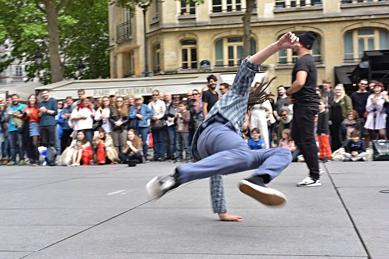 Large Group Of People Dancing Casual Clothing Outdoors City Day Performance Building Exterior Full Length Men Balance City Life Young Adult Breakdancing Arts Culture And Entertainment Watching Skill  Dancer Street Performer Crowd Beaubourg Paris ❤