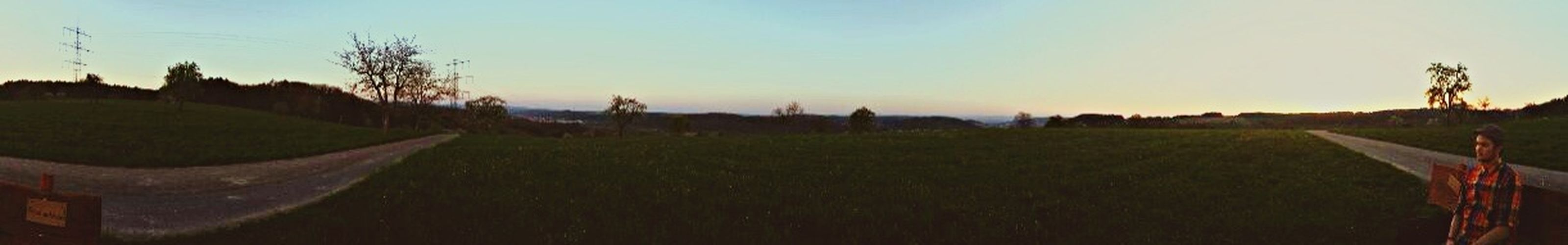 Mit Meinem Alles Aussicht Genießen Nature Look What I Found Sonnenuntergang Auf der Bank steht rutschet a bissl nöcher ☺️ ❤️