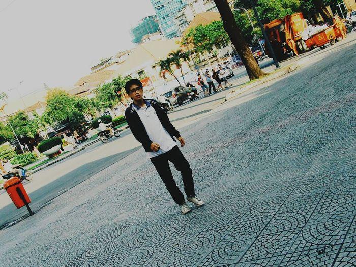 Nắng Sài Gòn ấm áp bao nhiêu! Em lại lạnh với tôi bấy nhiêu :) That's Me First Eyeem Photo