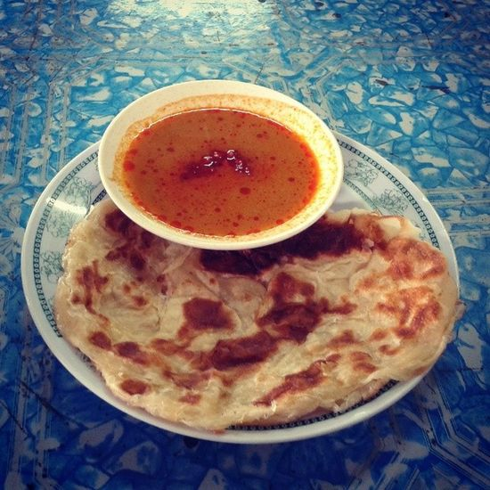Having breakfast with my friends...Bismillah... Roticanai Cafe1Malaysia