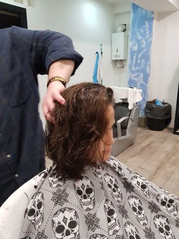 cambio de look Peluquería Peluqueria👌💇💆 Pelo Peinados Customer  Only Men Adults Only Two People Business Finance And Industry Occupation Adult People Indoors  Day Men Close-up Barber Young Adult Mobility In Mega Cities EyeEmNewHere Colour Your Horizn Press For Progress