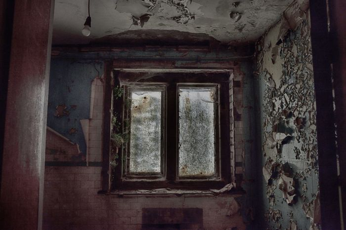 Abandoned Abandoned & Derelict Beauty Of Decay Derelict Derelict & Abandoned Derp Peeling Paint Urban Decay Window
