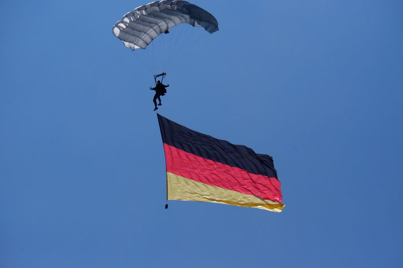 Paratroopers Paratrooper Germany GERMANY🇩🇪DEUTSCHERLAND@ Deutschland Flying Sport Blue Extreme Sports Sky Parachute Paragliding Airshow National Flag Flag The Photojournalist - 2018 EyeEm Awards