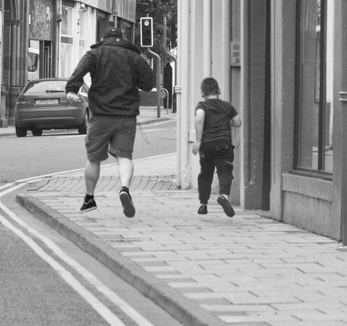 Spend time,not money Black And White Enjoy Life Family Rear View Simple Things In Life Stereo Streetphotography Time Together Togetherness