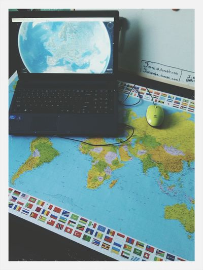 Theme Eye Em Around The World