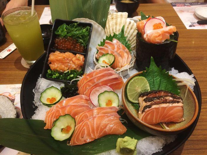 Hello Sushi Japanese Food Healthy Eating Food And Drink Freshness Salmon Indoors  Sashimi  Selfietime Helloworld Eat Eating