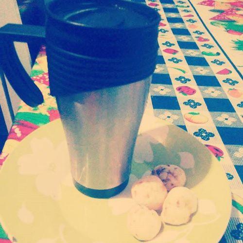 Fomenamadrugada Coffe Paodequeijo