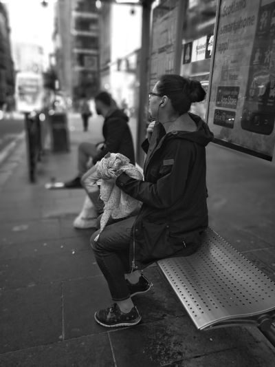 City Street People Warm Clothing City Life Real People Waiting For The Bus P10 Plus Photography Streets Of Glasgow