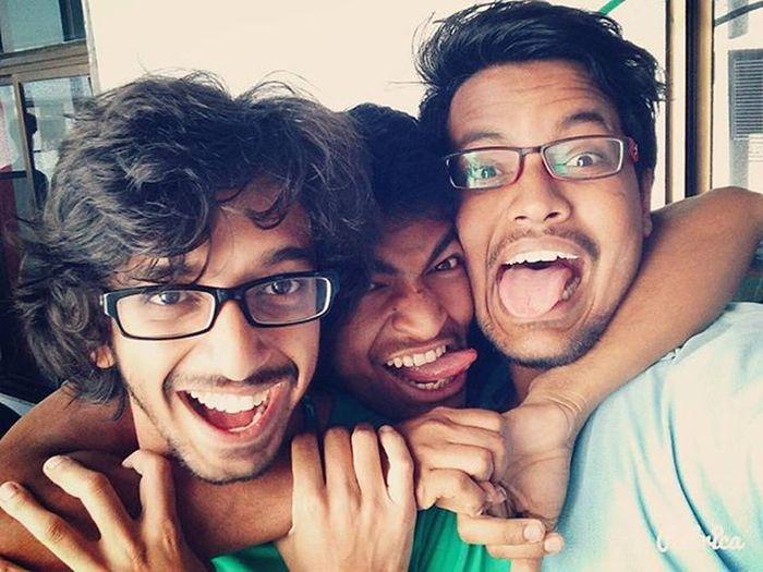 We three!👻😋❤ Selfiediary Selfie Collegelife Collegediaries Cracks Crazyass Leedal FunnyMoments  CrazyLife Enjoyment Alegría Pillaicollege Alegria2016 Pcacs Bcx Lolistic