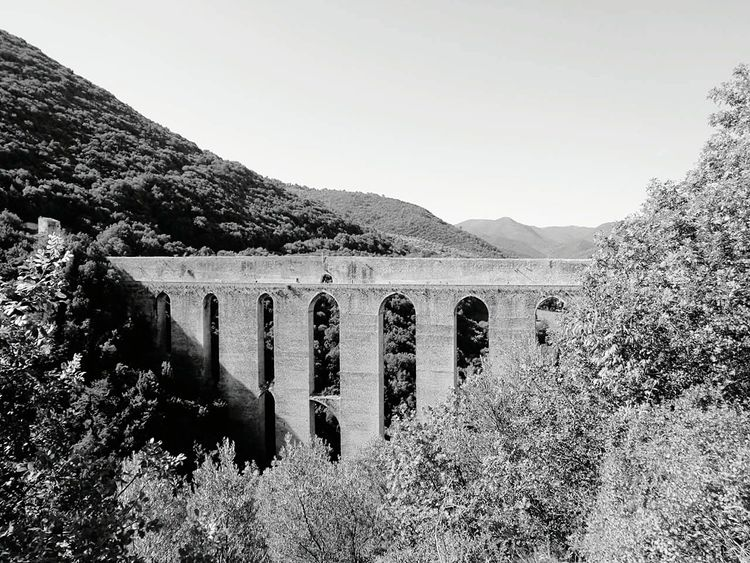 Ponte delle Torri, Spoleto, Umbria, Italy Landscape Architecture Sky Day Tree Nature Outdoors Ponte Torri Spoleto Umbria Italy Tourism Travelphotography Travelingtheworld  Postcardsfromtheworld Postcard Wanderlust EyeEm Black&white Blackandwhitephotography Black And White Collection  Panorama Landscape_Collection Landscape_photography EyeEmNewHere