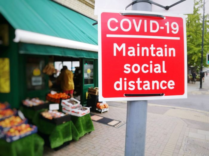 Information sign in market