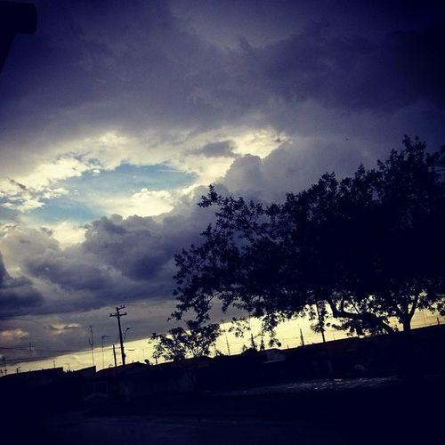 Que tempo inedito!! EsperandoOnibus Instagram Inédito