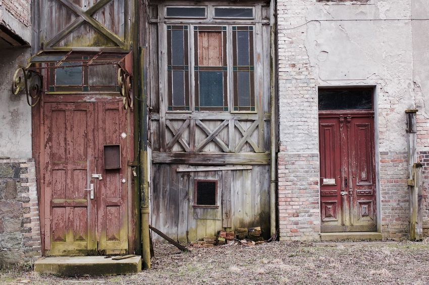 If buildings could tell... Abandoned Buildings Abandoned Places Architecture Building Exterior Doors DoorsAndWindowsProject East Germany Entrance Facades House Lost Places Morbid Old House Once Upon A Time Past
