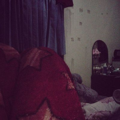 Bedroom situation, i'm here can't sleep. Just want to sleeping ?