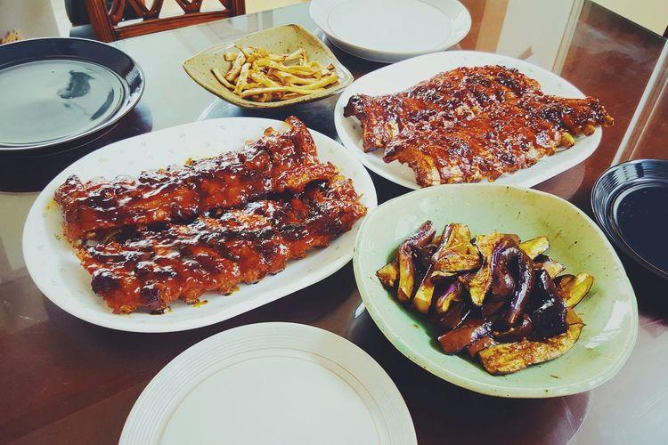 어제 가족만찬~ 배부르게 폭립왕창창창창. 폭립은 귀찮아도 해먹는게 개이득!! Family Dinner Barbecued Pork Rib Pork Ribs Dinner Yesterday Selfcook Enjoying Life Enjoying Mushroom Eggplants
