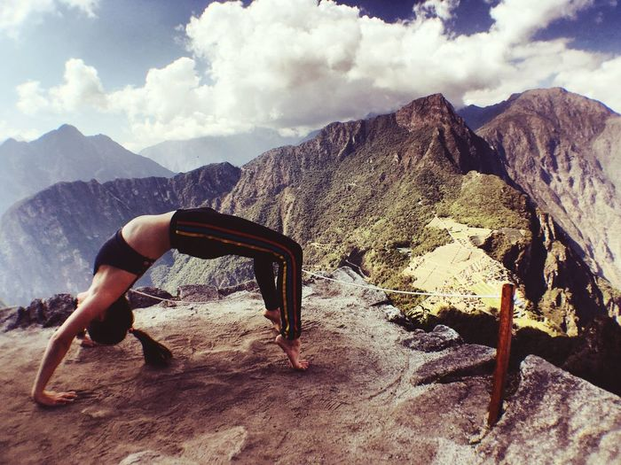 Mountain Range Mountain Tranquil Scene Yoga Pose Wheel Pose Machu Picchu Machu Picchu - Peru Yogis Tranquility Lost In The Landscape