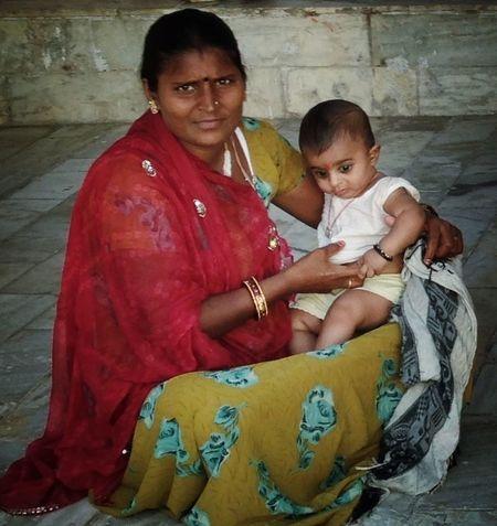 como la Virgen María con el niño... Portrait Of A Woman EyeEm Best Shots Eye4photography