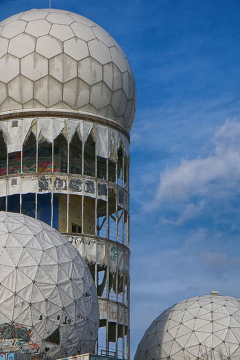 Have a beautiful Weekend 🌞😎✌🏼 Abhörstation Teufelsberg Not For Sale NSA Station Berlin Teufelsberg Berliner Ansichten Berlin Photography City Radar Dome Cupola Astronomy Sky Architecture Built Structure Communications Tower Tower Moon Surface Skylight Sphere