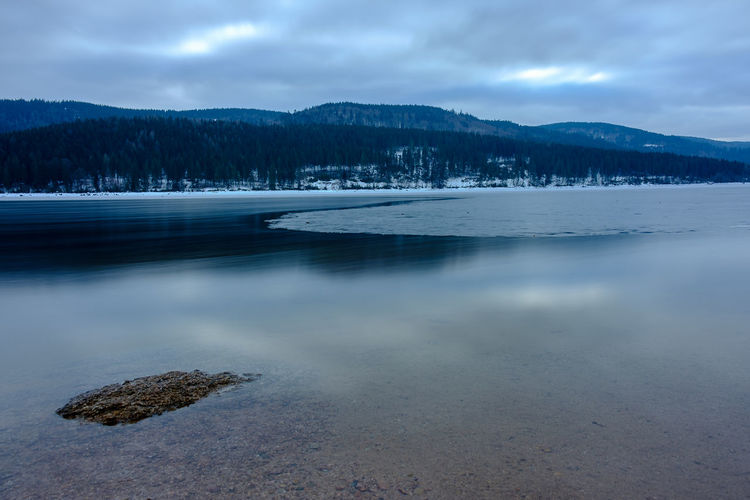 Schluchsee im Januar 2019 Baden-Württemberg  Deutschland Fuji Germany Schwarzwald Winter X-t2 Black Forest Cloud - Sky Sky Water Beauty In Nature Tranquil Scene Scenics - Nature Tranquility Mountain Lake Nature Non-urban Scene No People Idyllic Tree Mountain Range Day Cold Temperature Remote