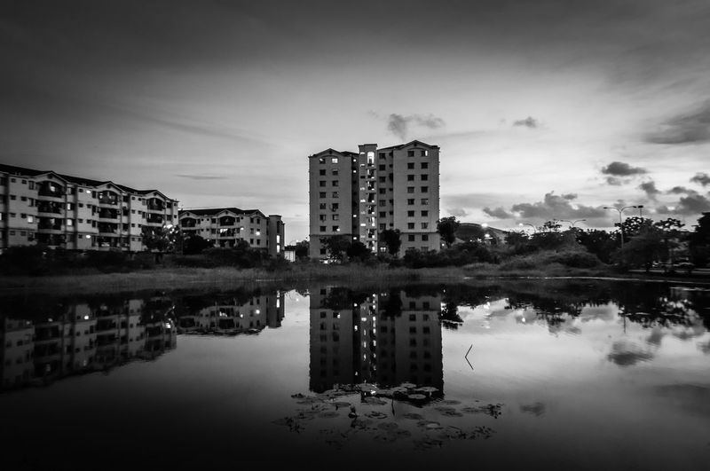 Apartment Architecture Beauty In Nature Blackandwhite Photography Bnw Bnwphotography Building Exterior Built Structure City Cityscape Day Hsphoto Modern Nature No People Outdoors Reflection Sky Skyscraper Water Waterfront