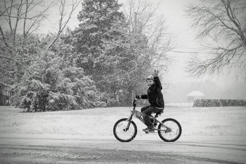 Visual Journal December 3, 2016 Western, Nebraska (Fujifilm Xt1,Canon FD 50mm f/1.8 ) edited with Google Photos. A Day In The Life B&W Collection Bicycle Camera Work Cold Temperature Everyday Lives Eye For Photography EyeEm Best Shots EyeEm Best Shots - Black + White FUJIFILM X-T1 Manual Focus Manual Mode Photography Mode Of Transport Nifty Fifty On The Move One Person Photo Diary Photography Real People Rural America Small Town Stories Snowing Streetphoto_bw Visual Journal Winter