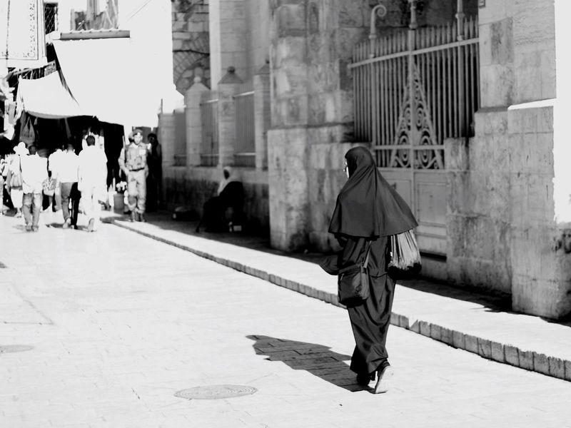 Live Love Shop Jerusalem Street Photography Shopping ♡ Shop People Woman Black And White Street Monochrome Photography