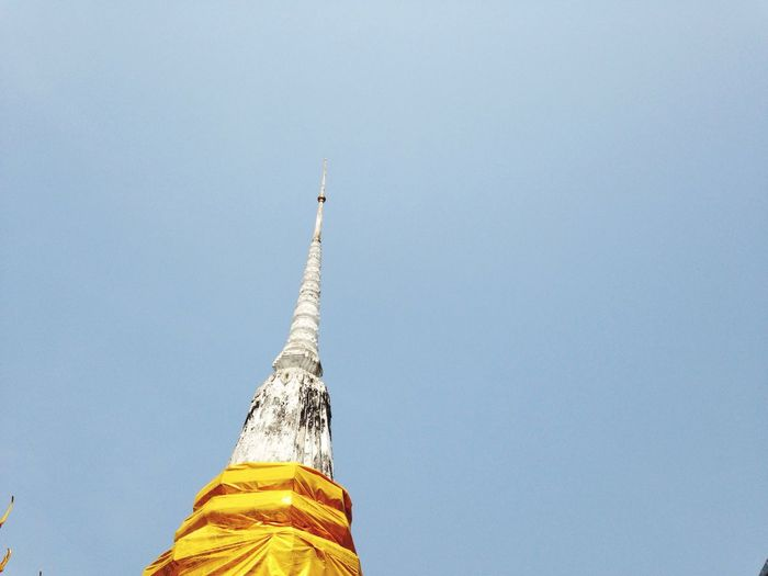 Pagoda Wat Rakung Bangkok Thai New Year Clear Sky On Bike Trip Hot Day Really Hot Bangkok