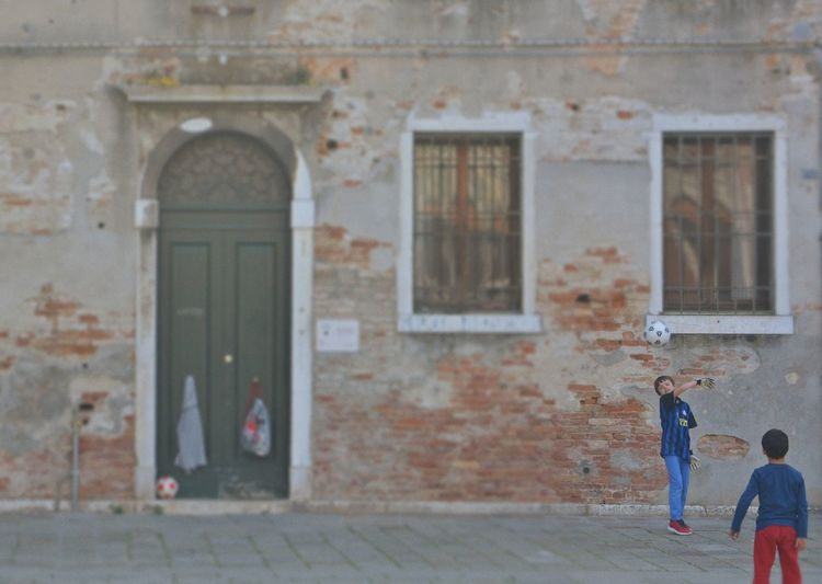 Sport Travel Photography Travel Destinations Venice, Italy Italy Italia Venezia Nikon Family OpenEdit Futbol Football Children Playing Futbol Pasion Boys Child Building Exterior