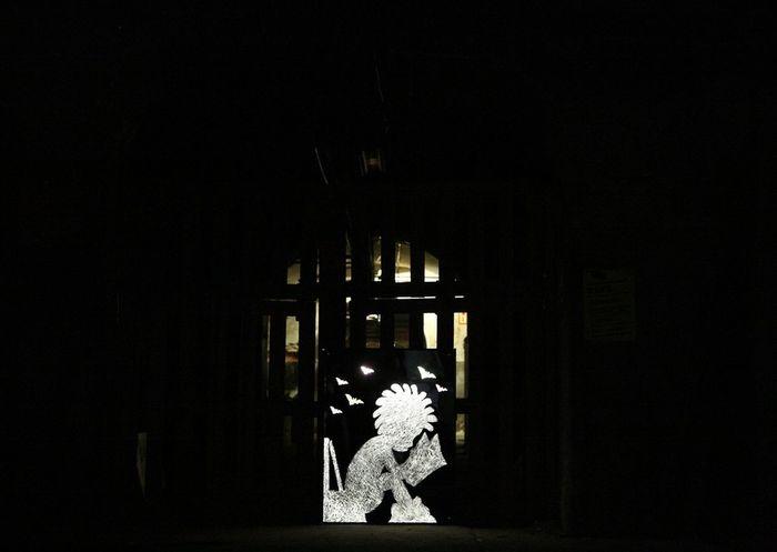 Yatusabes logo Streetart #street #streetphotography #tagsforlikes #sprayart #urban #urbanart #urbanwalls #wall #wallporn #graffitiigers #stencilart #art #graffiti #instagraffiti #instagood #artwork #mural #graffitiporn #photooftheday #stencil #streetartistry #photograp Luz Y Sombra  Street Art/Graffiti Yatusabesmadrid