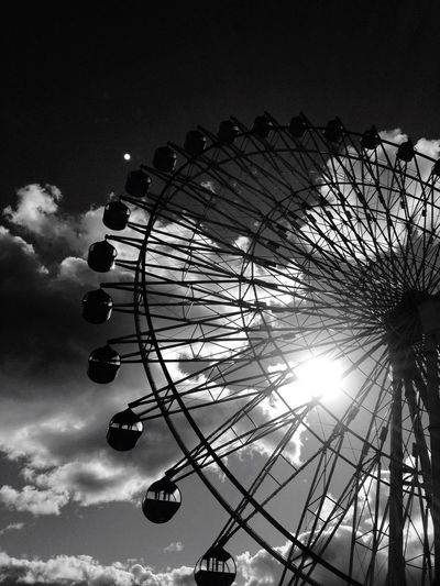 Ferris Wheel Ferris Wheels Sky_collection Monochrome Eyeem Monochrome Monochrome _ Collection Monochromeart Blackandwhite Black & White EyeEm Best Edits Eye4photography  EyeEmBestPics EyeEm Best Shots Eyemphotography Blackandwhitephotography Black&white Eye4black&white  Sky Sky And Clouds Clouds And Sky Skyporn EyeEm Skylovers Black And White Blackandwhite Photography