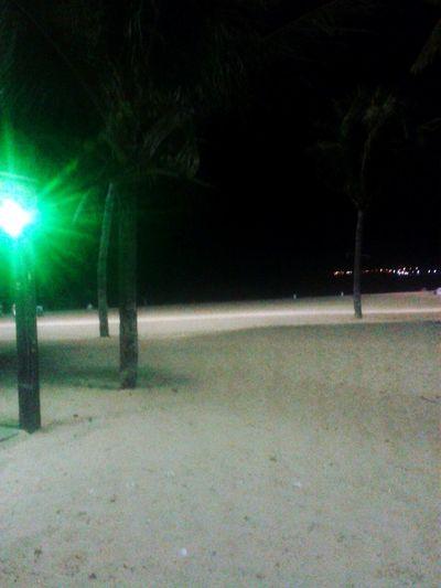 Praia é tudo de bom *-* Praia De Toninhas #sol #summervibesr #drinkigbeer #ubatuba #relax Praia Joao Pessoa
