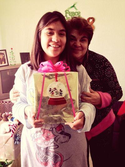 Regalo de Navidad!! 🎁 Obsequio Regalo Navidad Christmastime Present Family Família Alegría Happiness Pijama