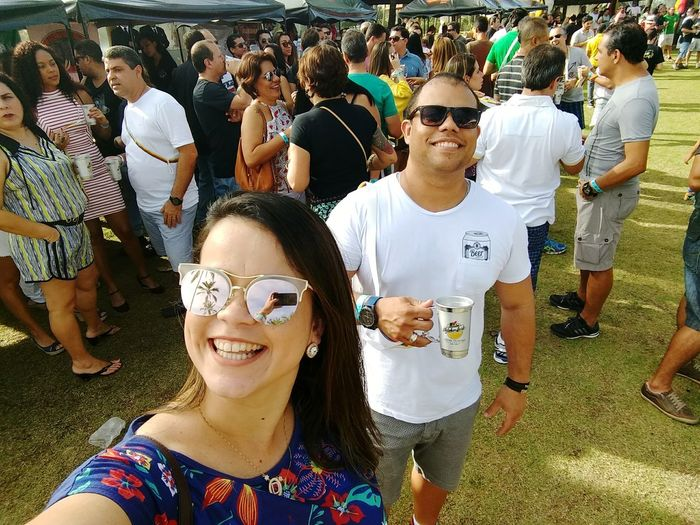 octobeer summer fest #octobeersummer #beerfestival #cervejasartesanais #Ilhéus Selfie Crowd Smiling Togetherness Happiness Portrait Fun Cheerful Enjoyment