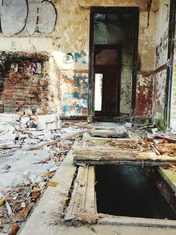 Urbex Urbexphotography Urbexexplorer Water Window Wet Abandoned Architecture Built Structure Worn Out Deterioration Obsolete Bad Condition Ruined