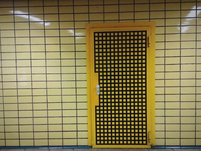 Door Doors Lover Tür Karo Jacker Yellow Door Wand Wall Wallart
