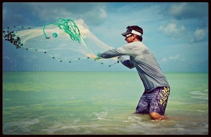 Florida Cast Net Fishing for Bait