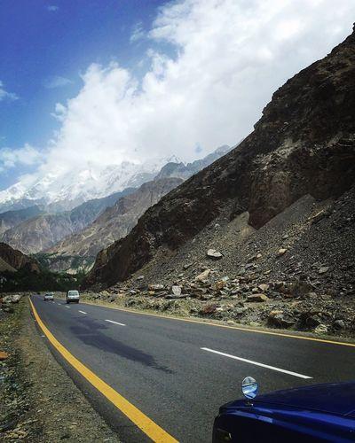 En Route Ontheroad Heaven Hunza Pakistan Traveling Karakorum Highway Best Trip Mountains Spectacular Mountain Mountain Range Mountain View Mountains And Sky Mountain_collection