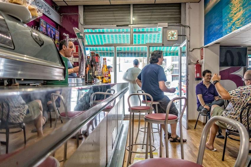 Proyecto 365 Dias 052-365 Rx100mk2 gent del bar, bona nit