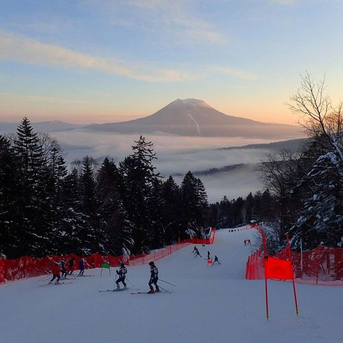 Skiing with a view on vulcano⛰⛰⛰ Alpenski Japan Hokkaido,Japan Akankoonsen Hokkaido Japan Mountoakan Japanski Cold Temperature Sky Tree Outdoors Nature Ski Holiday Extreme Sports Mountain