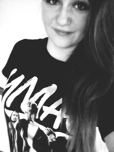 favourite band shirt Selfie Bandmerch Youmeatsix Blackandwhite