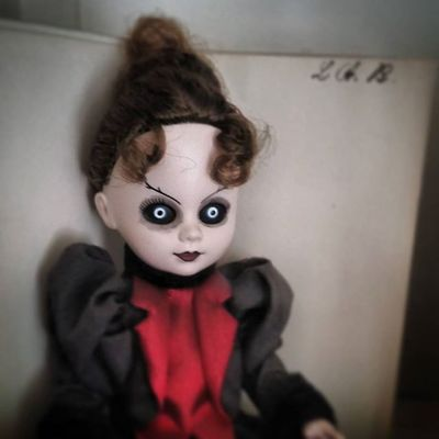 Seen this scary damn thing at Lizzy Bordens house. That's her initials on the upper right. WTF Scary Lizzyborden Doll Scared Paranormalactivity Paranormal Ghost Ghoststories  Travel Photooftheday Photo Johnnylopezthephotographer Johnnyphotos Johnnyutah Lnlphotofarmphotography Urban Legends The Followforfollow