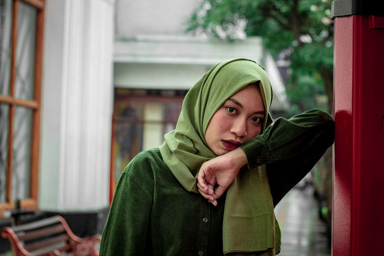 women in green suit Veiled Woman City Street Expression Women Portraits Womenpower Women Style Hijab Hijabfashion Muslim Moslem INDONESIA International Women's Day 2019 Warm Clothing Winter Young Women Women Teenager Close-up Scarf Religious Dress