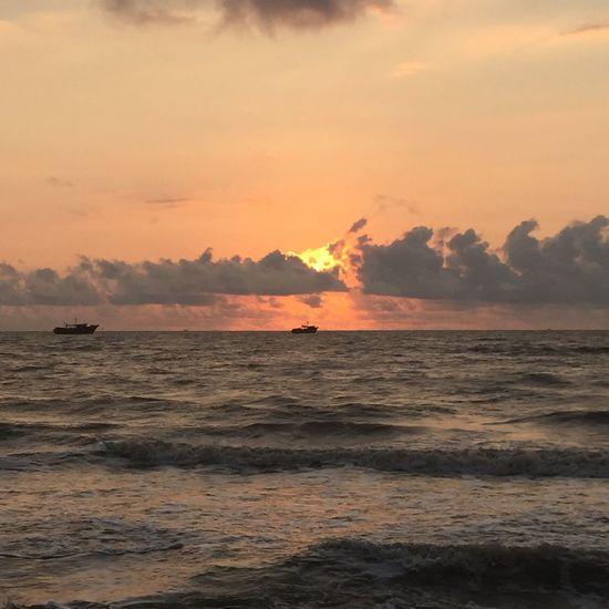 Sunrise ocean Boats⛵️ Ocean View Tamilnadu India