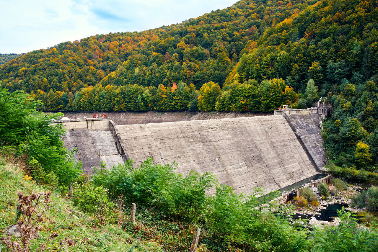 dam, hydroelectric power, tree, nature, outdoors, water, beauty in nature, day, scenics, no people, built structure, architecture, sky