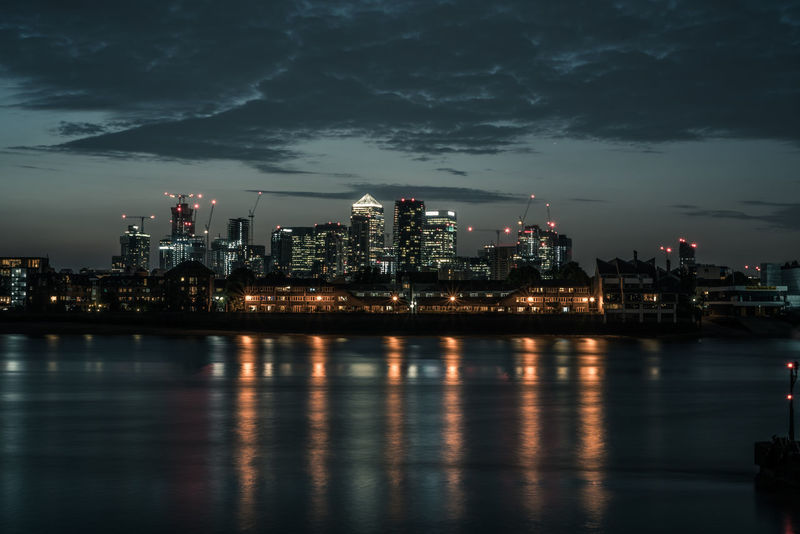 The city never sleeps Canary Wharf Docklands London Downtown Dreaming Greenwich London Power Sony Alpha A7R II Architecture City Lights Clouds Evening Sky Financial Illuminated Illuminated Building Illumination London_only Long Exposure Longexposure Ngiht Reflections In The Water River Reflection Skyscraper Sonyalpha Stock Market And Exchange HUAWEI Photo Award: After Dark