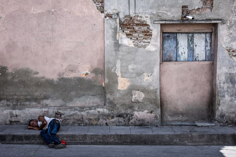 Homeless Full Length People Adult Architecture Two People Men Child Day City Outdoors Cuba Santa Clara Cuba The Street Photographer - 2017 EyeEm Awards The Week On EyeEm The Graphic City