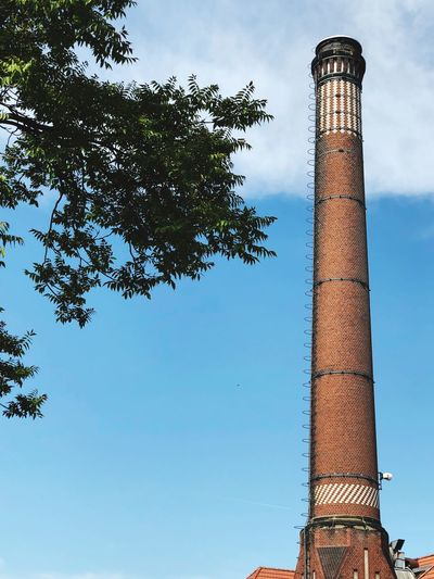 Schornstein Chimney Low Angle View Tree Plant Sky Architecture Tall - High Nature No People
